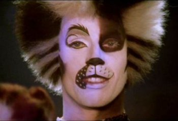 Jason Gardiner as Alonzo in Cats the video