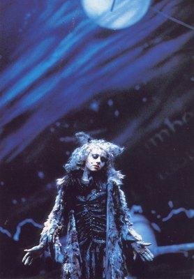 Elaine Paige as Grizabella under the Jellicle Moon