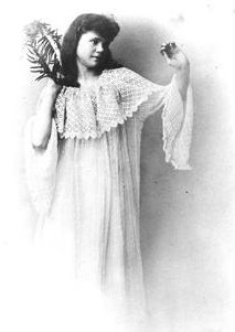 Isadora Duncan as a young woman